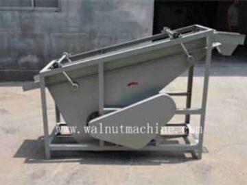 Walnut separator machine